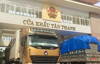 thong quan 76843 xe hang cua khau bien gioi khoi sac tro lai