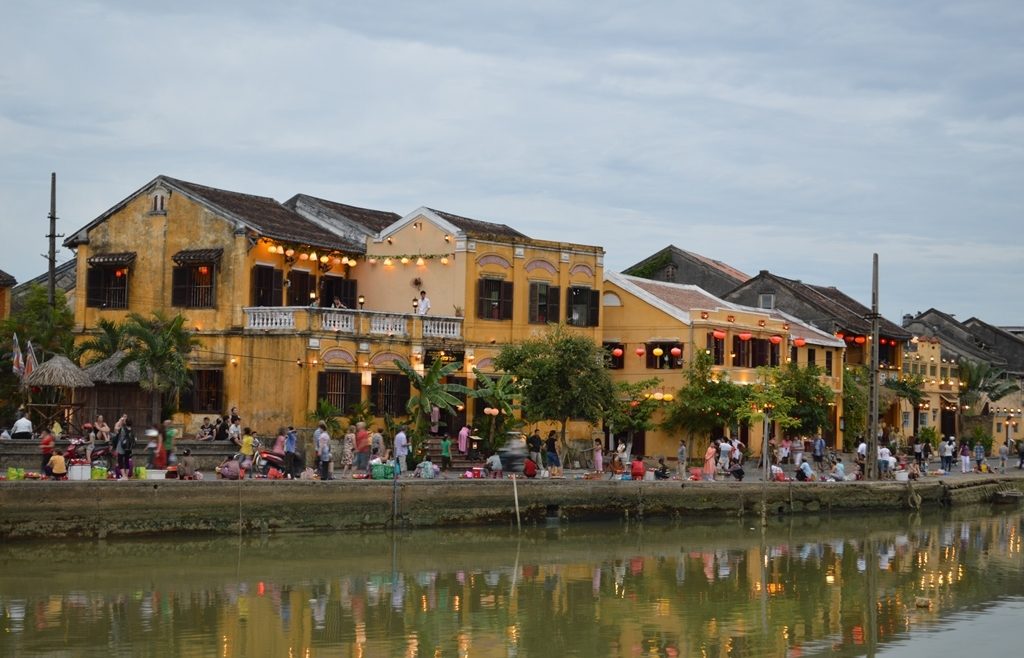 google ton vinh pho co hoi an