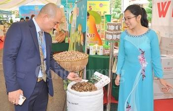 200 gian hang tham gia hoi cho trai cay va hang nong san binh phuoc lan thu iv