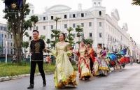 lan dau dien ra tai ha long sun dance festival hut hang ngan du khach