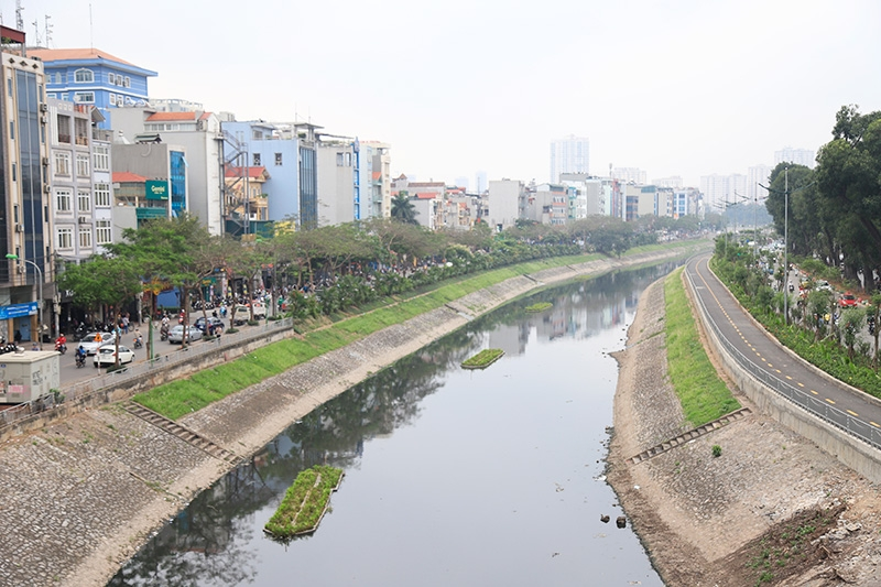 Nước sông Tô Lịch sau 10 ngày áp dụng công nghệ làm sạch Nano