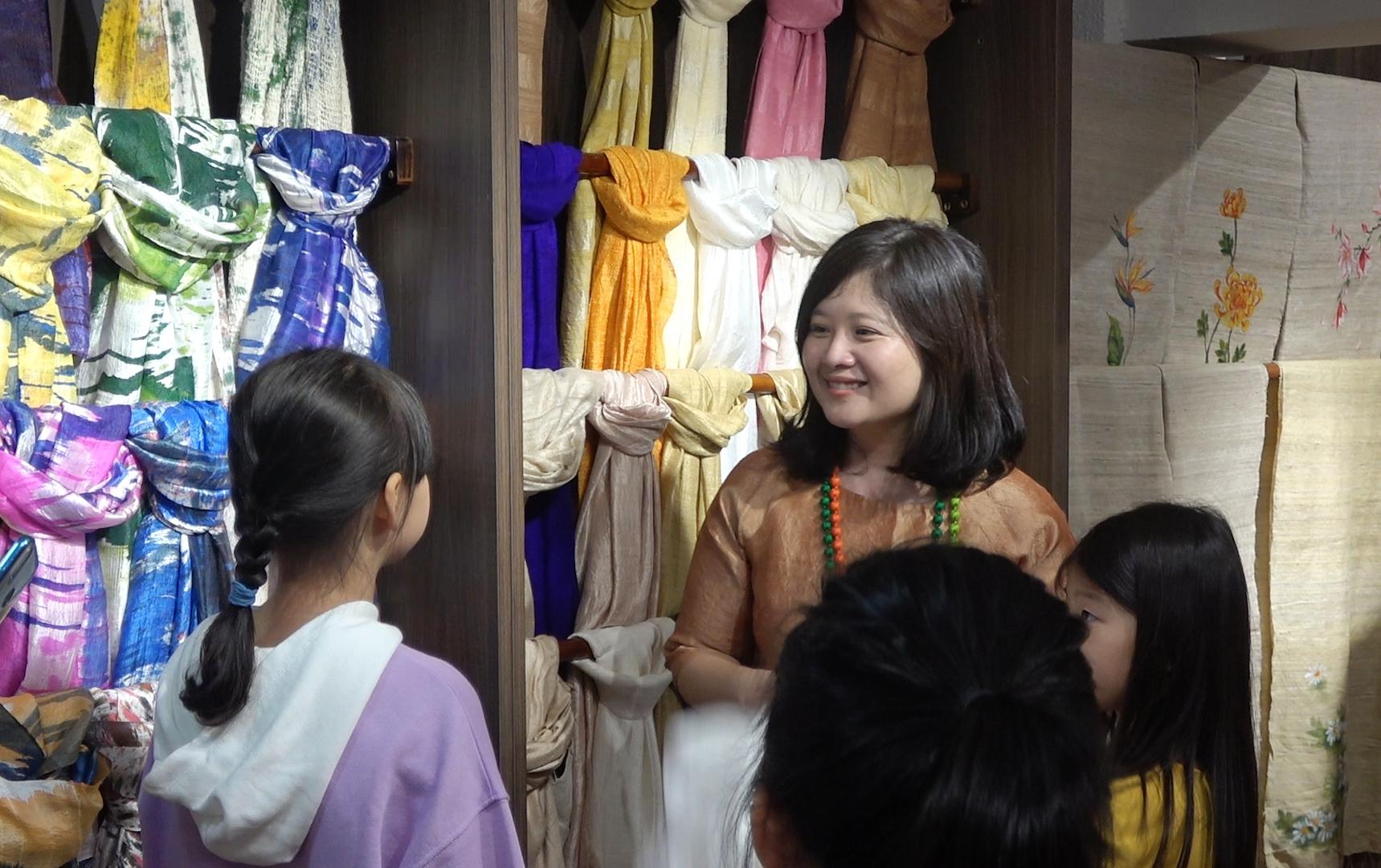 Thế hệ trẻ viết tiếp câu chuyện lụa Việt